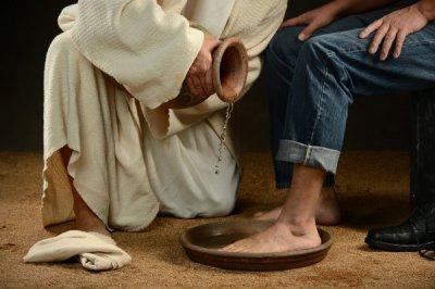 Бути християнином означає служити гідності наших братів та сестер...