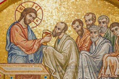 Молитва перед Причастям: битися в груди чи хреститися?