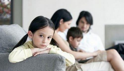 Як дати дітям достатньо любові, незважаючи на зайнятість