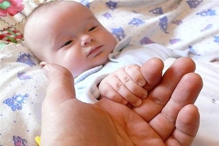 На першому році життя формується довіра до світу, тому такими важливими є відчуття мами й тата, любові і прийняття, – психолог Ольга Чмель-Колесникова
